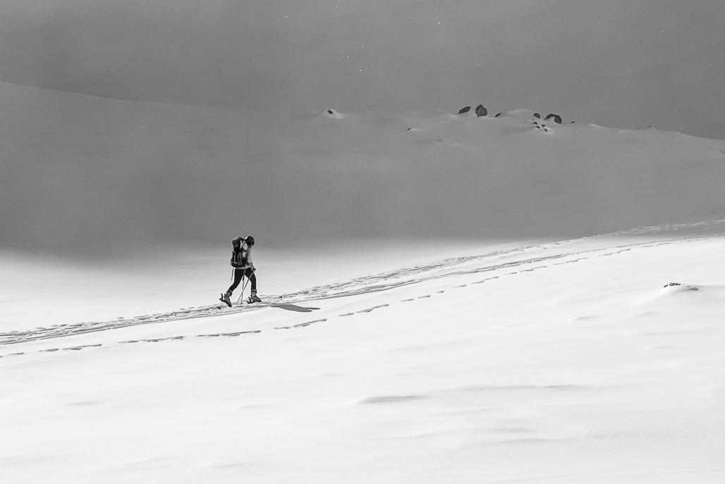 Osamelá skialpinistka